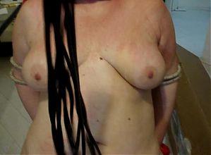 slave Carla frusta seno 3