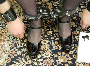 Masterlock bicyclelook used as leg cuffs