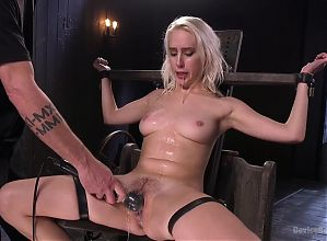 Squirting Blonde Pain Slut