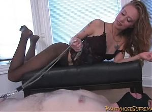 Mistress Riley is femdom pantyhose dominatrix