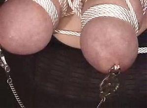soumise a gros seins
